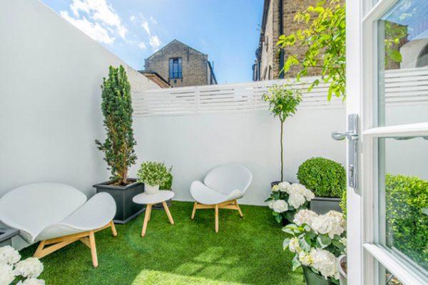 Garden staging avec Maison à Vendre sur M6