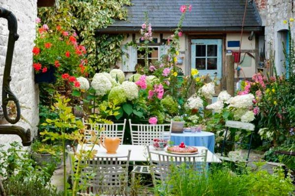 Repas au jardin ambiance champêtre
