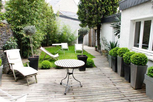Pourquoi utiliser des pots dans un petit jardin ?